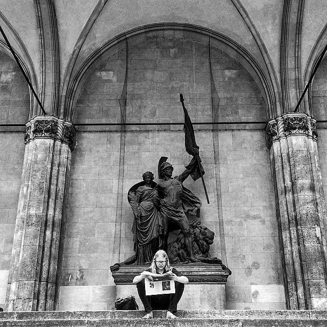 Read, please. (Lesen, gefallen ) #Europe #RoadTrip #Germany #Munich #München #LU #Trip #Photo #Photographers #BN #read #news