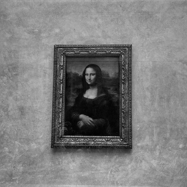 Look at me.... #Monalisa #Paris #LU #Louvre #LU #Art #Joconda